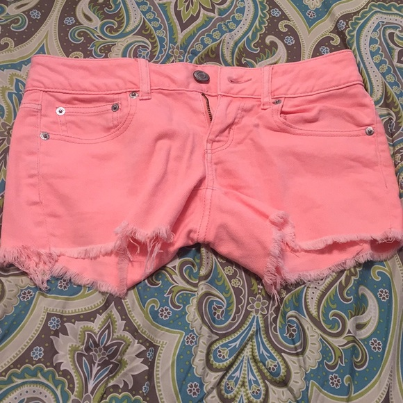 American Eagle Outfitters Pants - Neon pink American eagle shorts